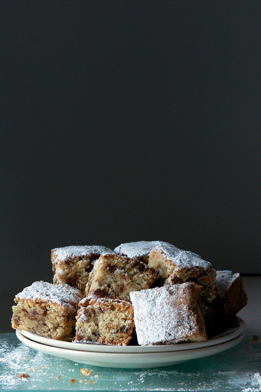 Date bars with nuts