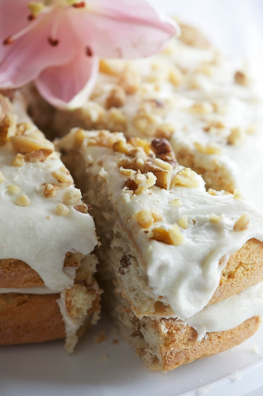 Walnut cake slice